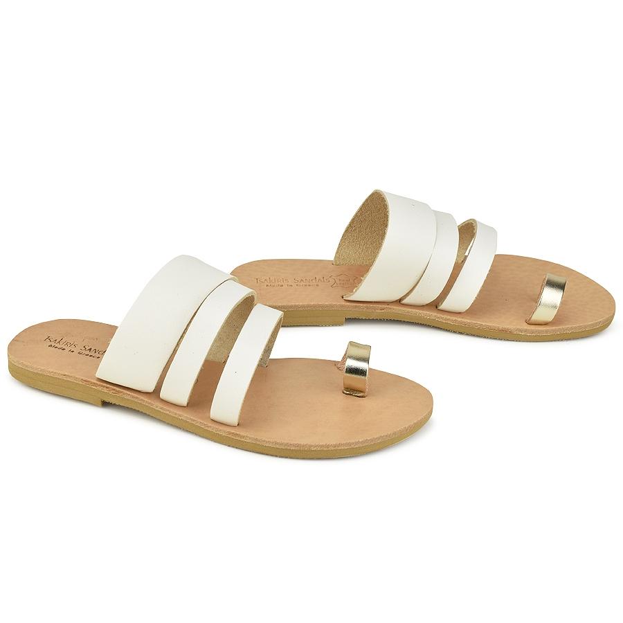 Δερμάτινη λευκή σαγιονάρα με χρυσή λεπτομέρεια Tsakiris Sandals TS1035